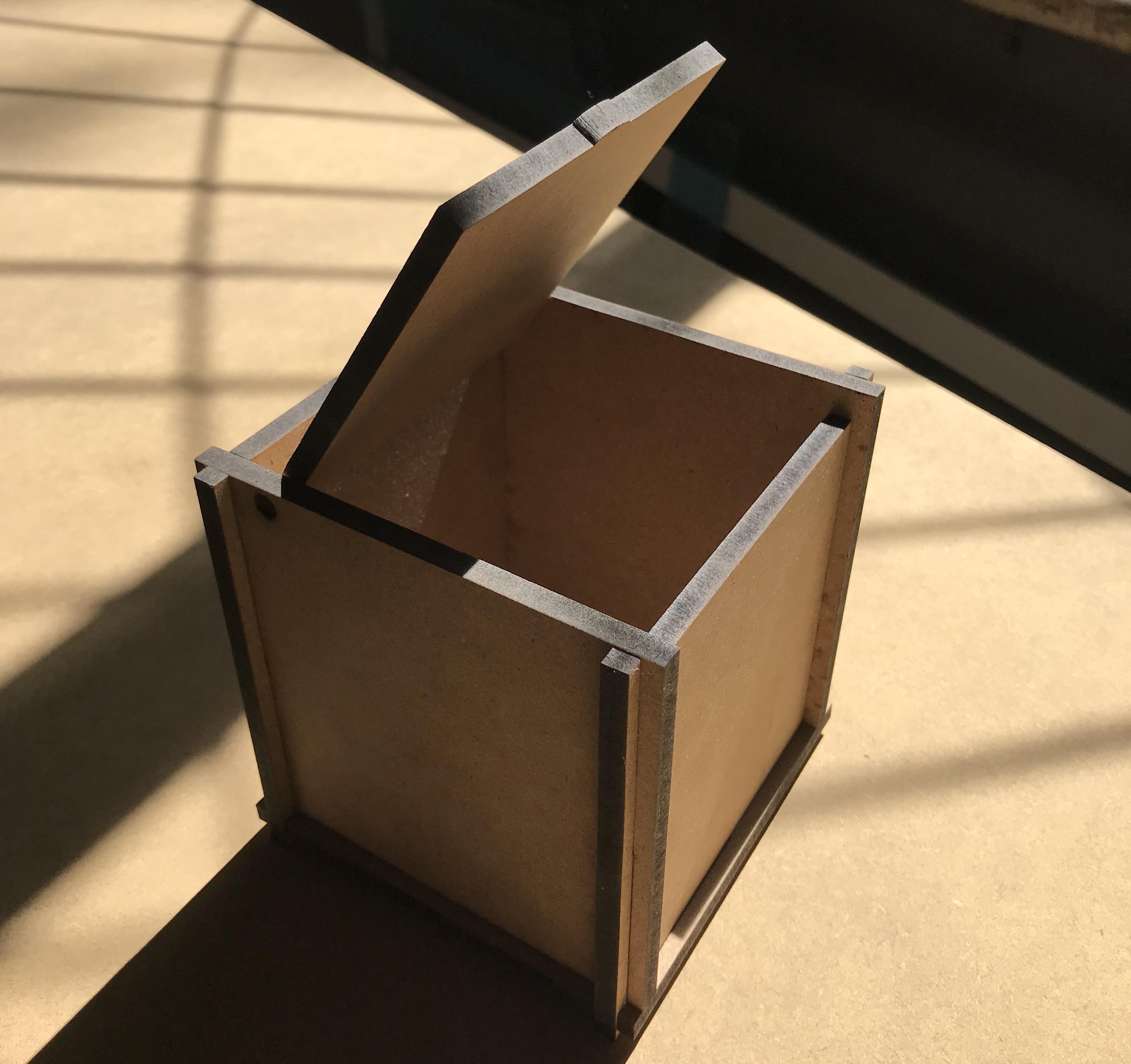 Коробка 10 на 10 на 11 см