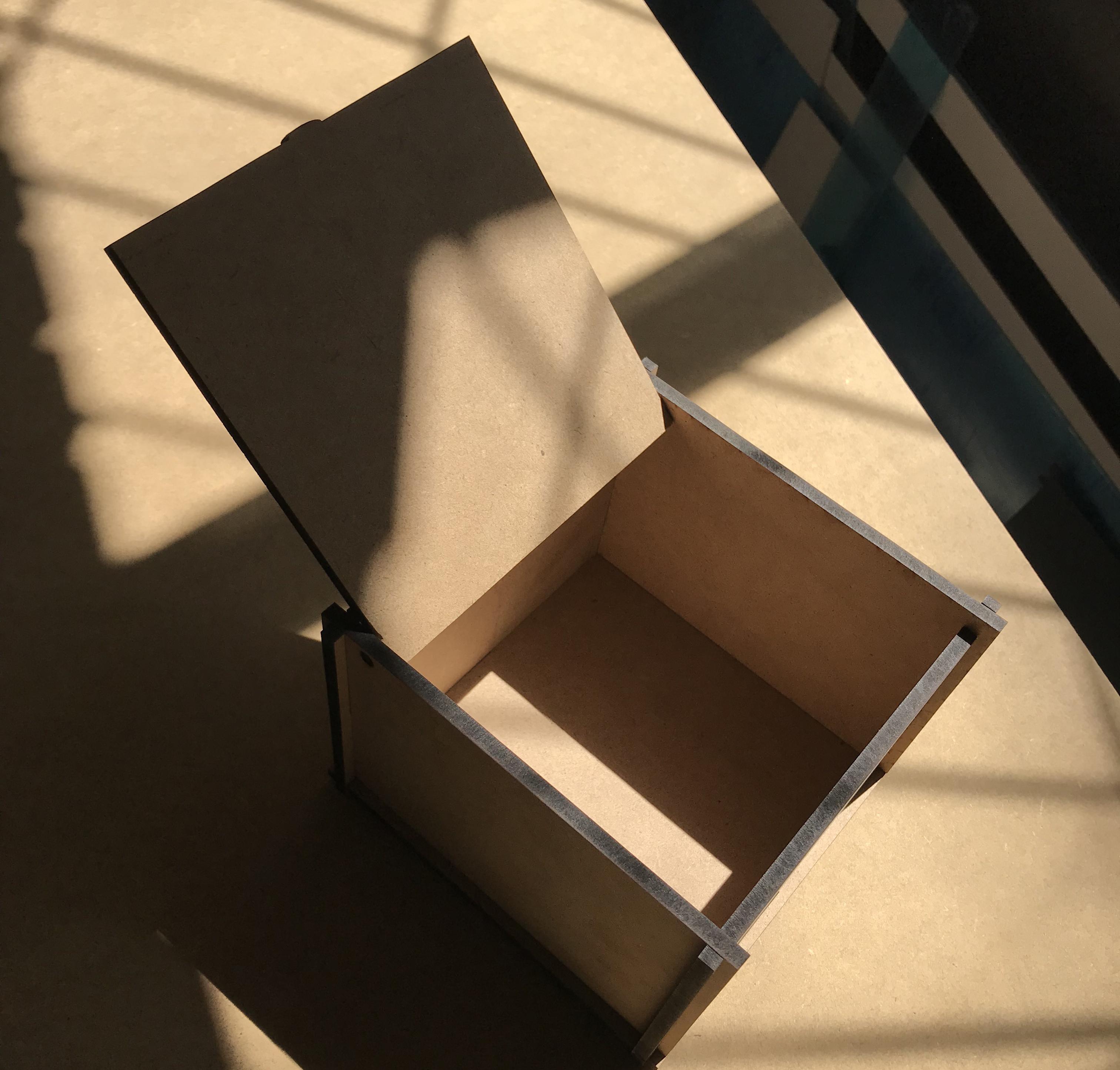 Коробка для ваших подарков 20 на 20 на 11 см