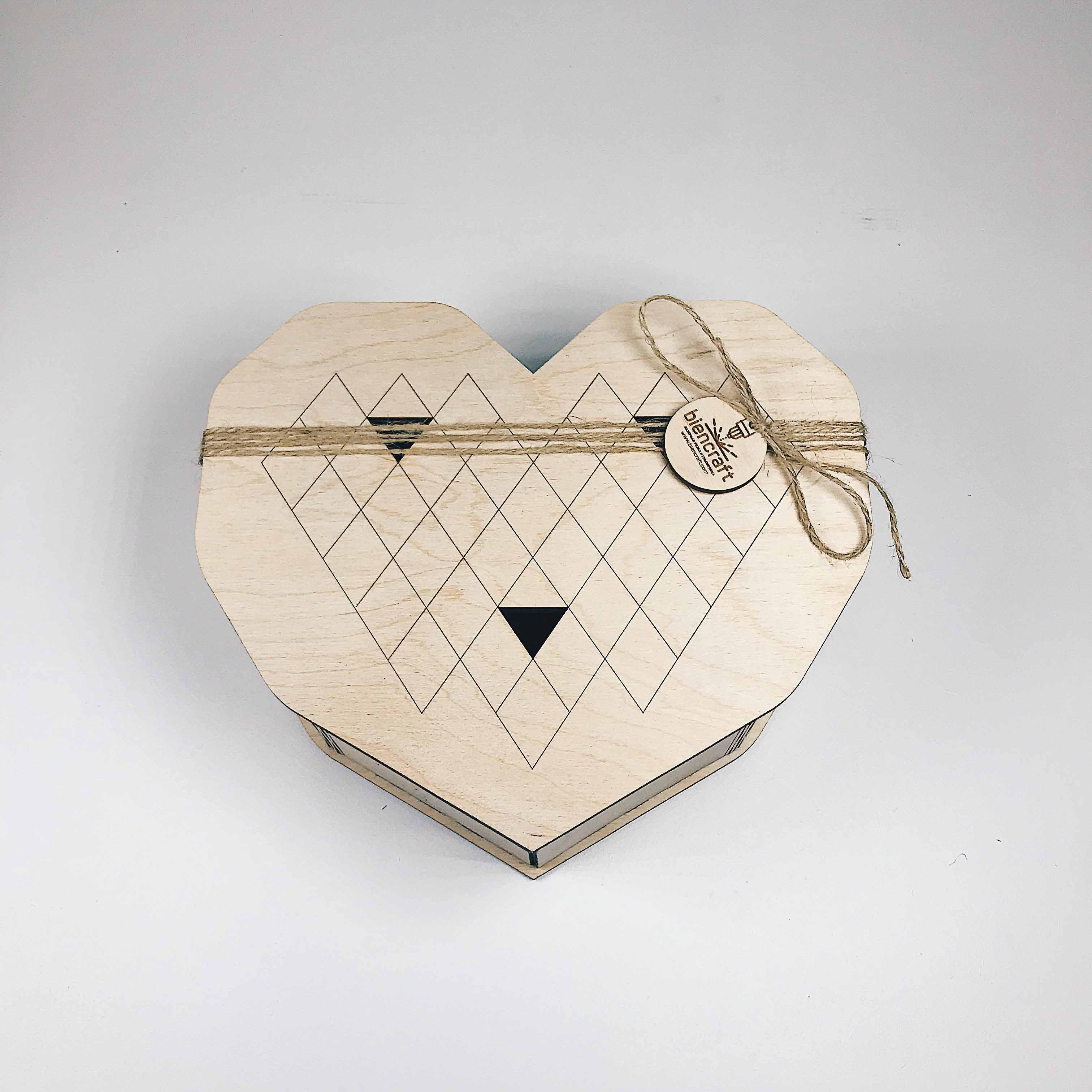 Коробка Сердце из фанеры 200 грн