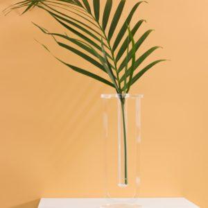 Минималистичная ваза